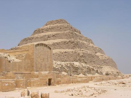 Pirámide de Dyeser desde el patio del festival (4) Fotografía: Francisco López