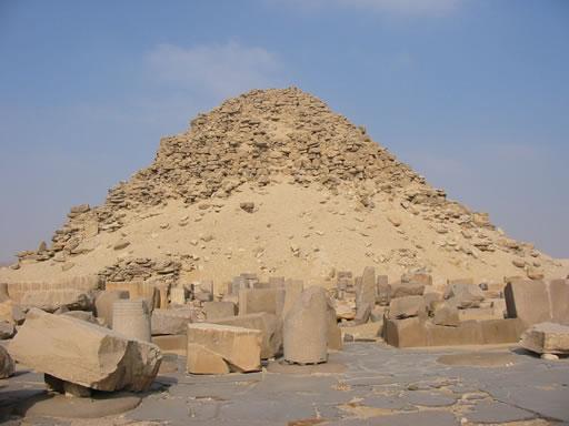 Pirámide de Sahura Fotografía: Francisco López
