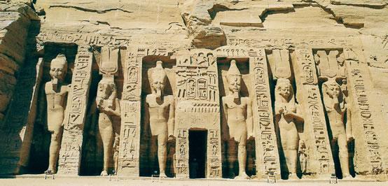 Entrada al Templo de Hathor en Abu Simbel