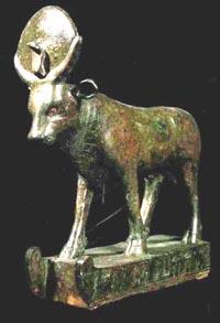 Escultura de bronce, XXVI Dinastía. Museo del Louvre